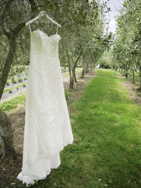 bridal-gown-lavender-hill-simply-wed-luxury-popup-weddings-01