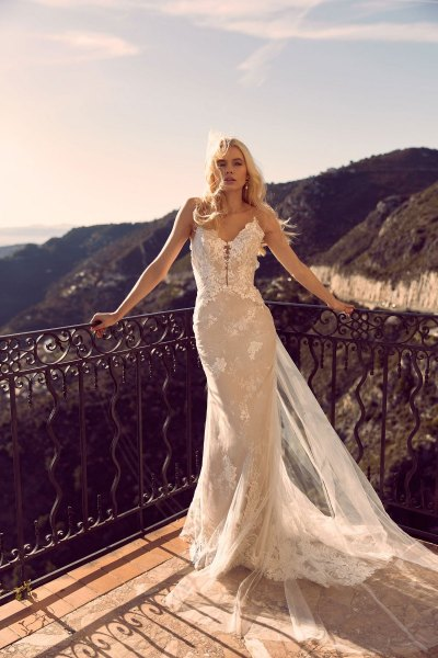 HARA-ML3119-FULL-LAYERED-LACE-FITTED-GOWN-WITH-PLUNGING-NECKLINE-SPAGHETTI-STRAPS-AND-LOW-BACK-WITH-DETACHABLE-FULL-LACE-OFF-SHOULDER-SLEEVES-WEDDING-DRESS-MADI-LANE-BRIDAL7