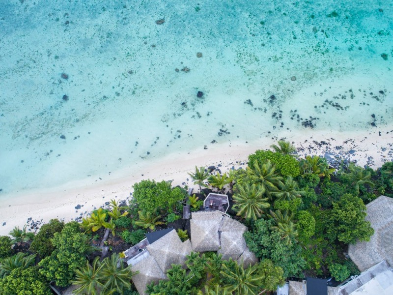 Pacific-Resort-Aitutaki-Ultimate-Beachfront-Villas-from-above-100-200-2